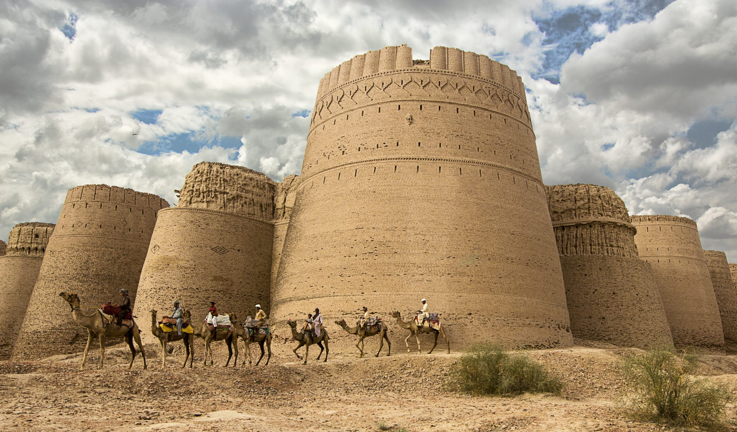 Darawar Fort scaled - About Cholistan